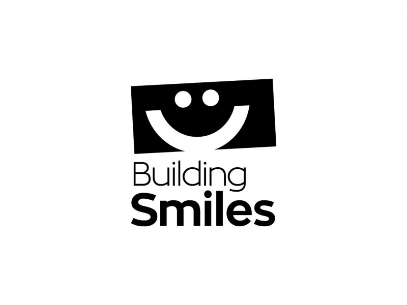 Master-Logos_Projects_Building-Smiles-Logo_BW