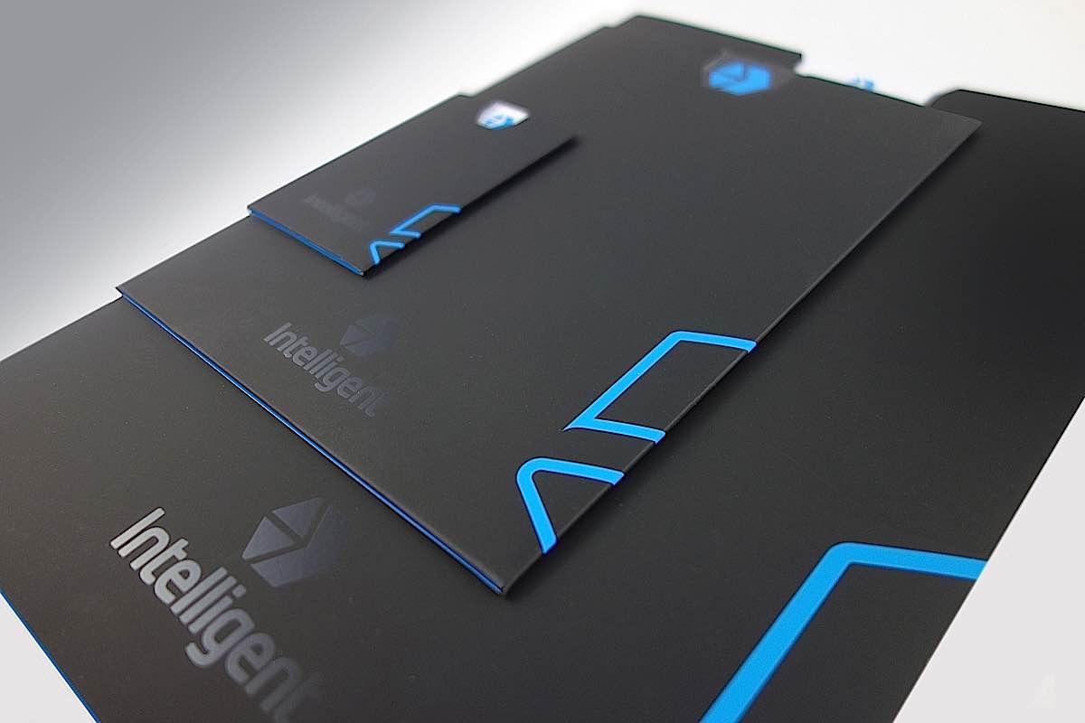Intelligent-Lifts-Black-sleeves