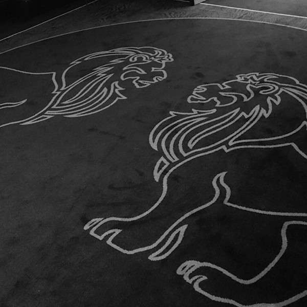 8NA-Interior-design_mirror-detail-Lions