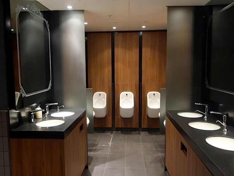8NA-Mens-Toilets-Interior-design1