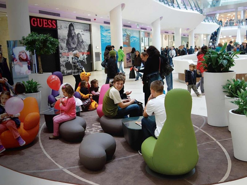 Bulgaria-Mall-stop-n-stay-seating-2