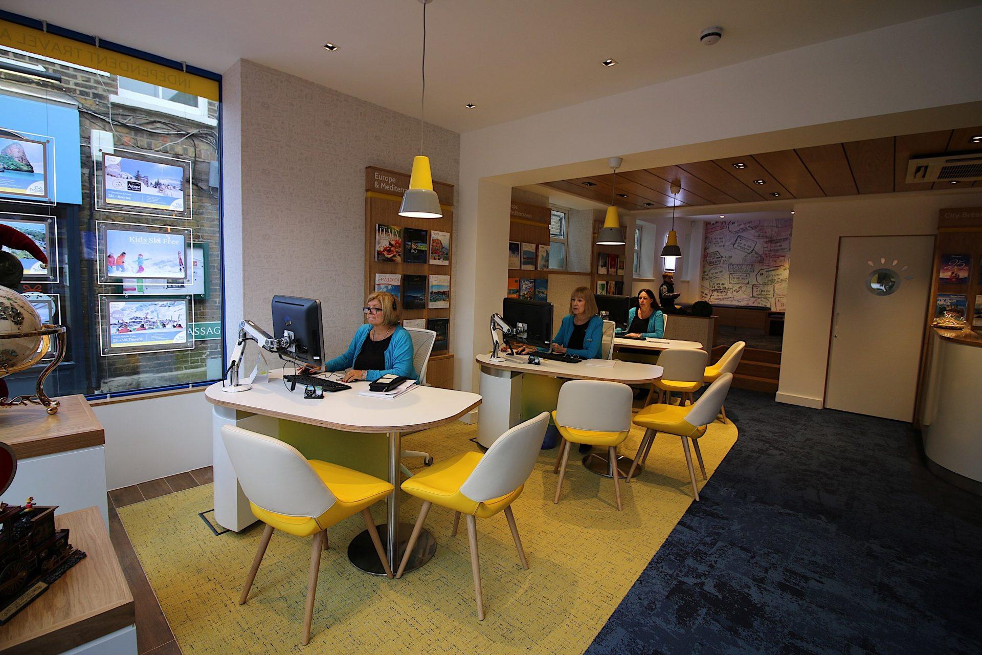 Go Travel_Chislhrust_Interior Design By Nugget Design 00