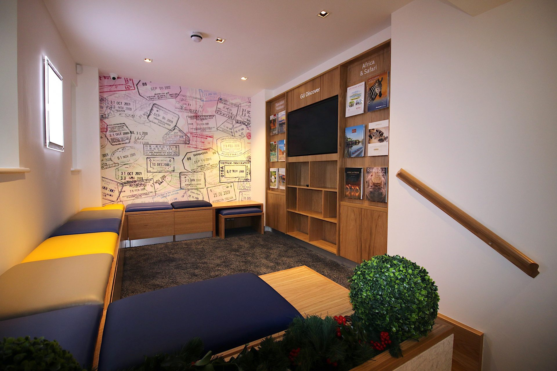 Go Travel_Chislhrust_Interior Design By Nugget Design 03