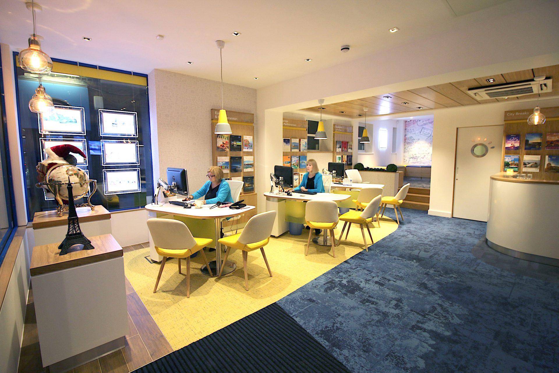 Go Travel_Chislhrust_Interior Design By Nugget Design 07